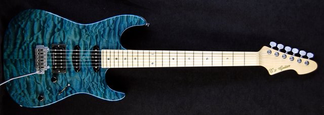 DST Droptop Quilted Maple (Arctic Blue) Wilkinson VS100N